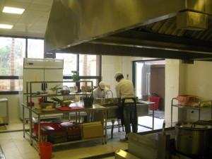 Hệ thống bếp nhà hàng tại Sky Lake