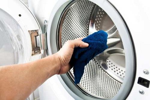 cách vệ sinh máy giặt công nghiệp đúng cách